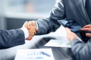 Handschlag unter Geschäftsmännern