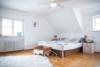 Tolles Einfamilienhaus mit großem Garten - Schlafzimmer 1.OG