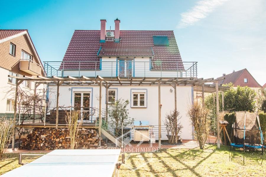 Tolles Einfamilienhaus mit großem Garten, 70439 Stuttgart, Einfamilienhaus