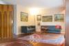 Sanierungsbedürftiges Reihenendhaus mit schönem Garten - Wohnzimmer