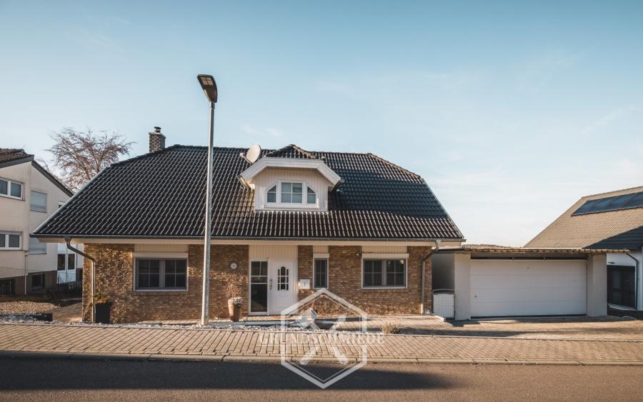 Tolles Einfamilienhaus mit Einliegerwohnung – Perfekt für die ganze Familie!, 73466 Lauchheim, Einfamilienhaus