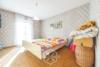 Reihenmittelhaus mit viel Potenzial - Schlafzimmer