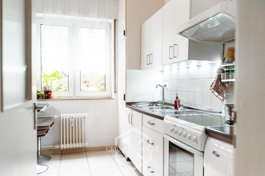 Tolle 2-Zimmer Wohnung mit Garage, 70499 Stuttgart, Erdgeschosswohnung