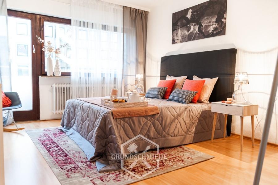 Leerstehende 3-Zi. Wohnung mit 2 Balkonen und Garage im Westen!, 70176 Stuttgart, Etagenwohnung