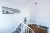Gepflegte 2 Zimmer Wohnung mit guter Rendite - Aufgang zur Wohnung