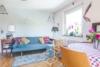 Schöne 3 Zimmer Wohnung mit traumhaftem Garten - Wohnzimmer
