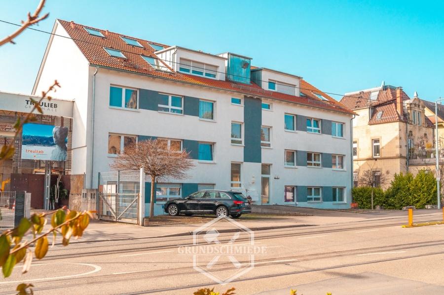 Sehr schöne 5-Zimmer Wohnung mit Balkon im Stuttgarter Norden, 70191 Stuttgart, Apartment
