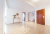 Gut aufgeteilte 4-Zimmer-Wohnung in der Esslinger Altstadt - Provisionsfrei - Flur