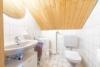 Freistehendes Einfamilienhaus mit großem Garten - WC Dachgeschoss