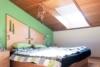 Doppelhaushälfte mit 3 Wohnungen - Nähe Freibad! - Schlafzimmer DG