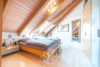 Außergewöhnliche 4,5 Zimmer-Maisonette-Wohnung mit Balkon im Grünen - Schlafzimmer