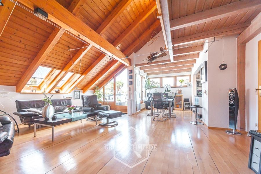 Außergewöhnliche 4,5 Zimmer-Maisonette-Wohnung mit Balkon im Grünen, 71334 Waiblingen/Galgenberg, Maisonettewohnung
